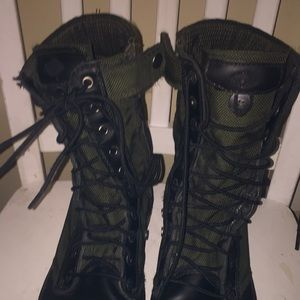 Boots size 10.5